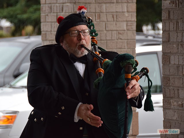 Greeted by David Stredwick and his bagpipe